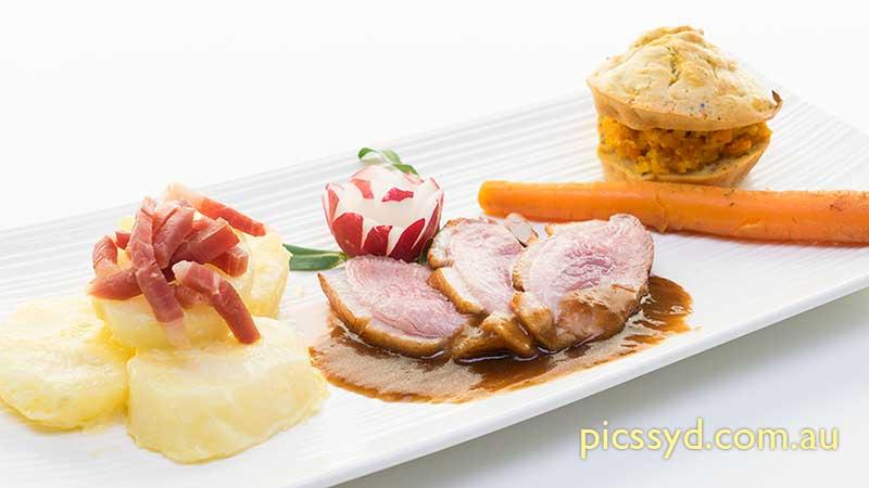Magret de Canard, Muffin Salé et Confiture de Carottes