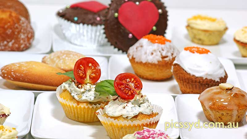 Cupcake and Madeleine
